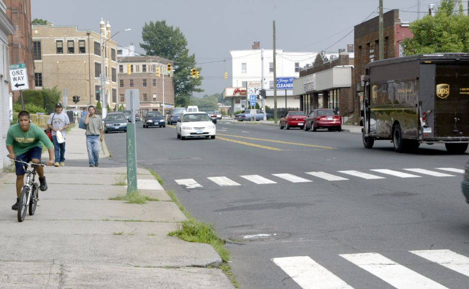 MERIDEN, Connecticut - Monday, July 30, 2007 - West Main Street near Morgan Street looking eastbound. Rob Beecher / Record-Journal