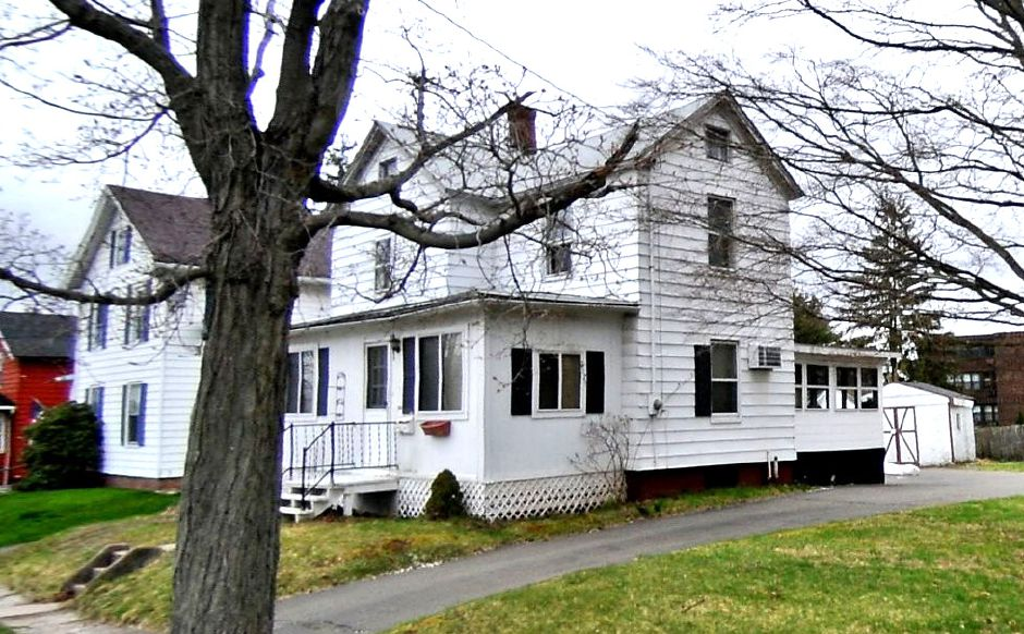 Everette H. Thorne to BBR Properties, 30 Dexter Ave., $65,000.