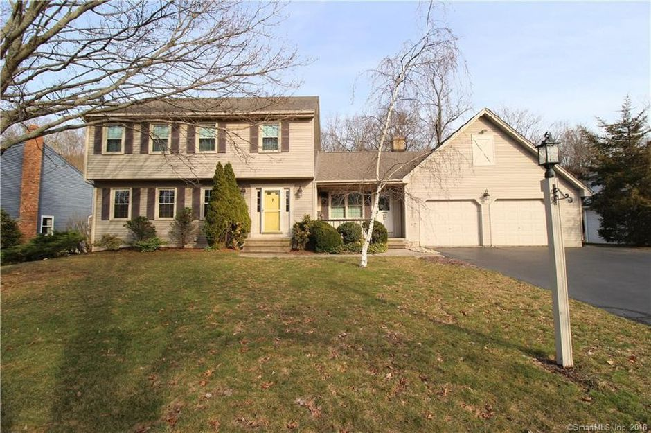 Patrick Owen and Maureen Owen to Mark A. Fontanella and Nancy R. Fontanella, 48 Morley Drive, $283,000.