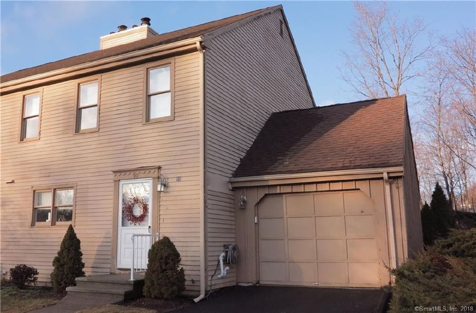 Danielle Erickson to Paul Carrano, Jared Carrano and Kelly Greco, 99 Old Turnpike Road, $260,000.