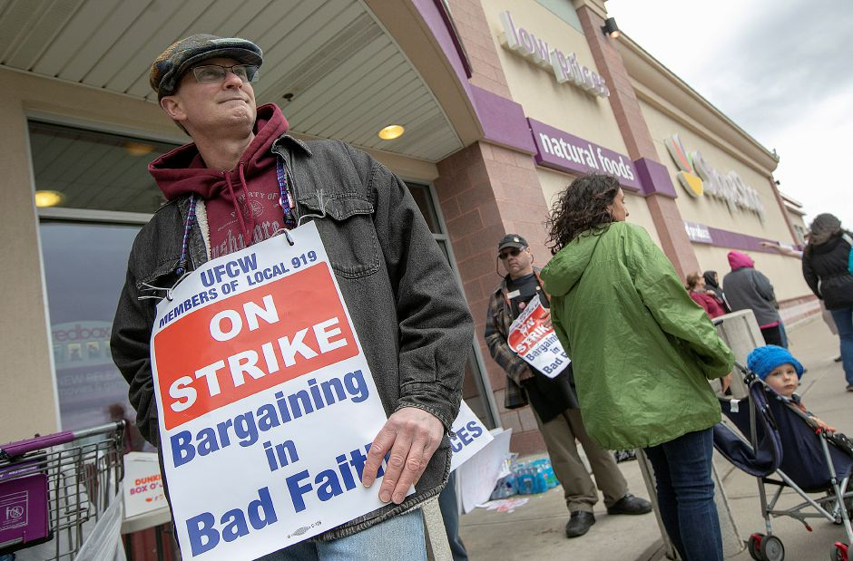 Rodney Keating, of Wallingford, walks the picket line in front of Stop & Shop in Wallingford, Mon., Apr. 15, 2019. Keating has worked for the company for 32 years. Dave Zajac, Record-Journal