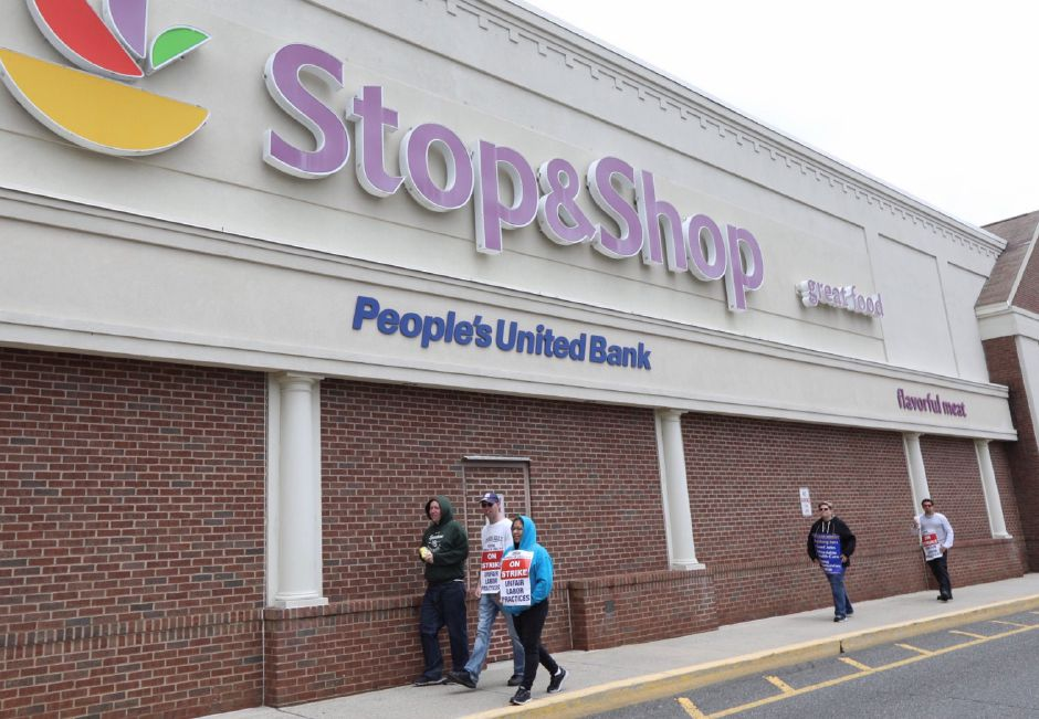 'Stop, don't shop!': Northeast grocery workers on strike