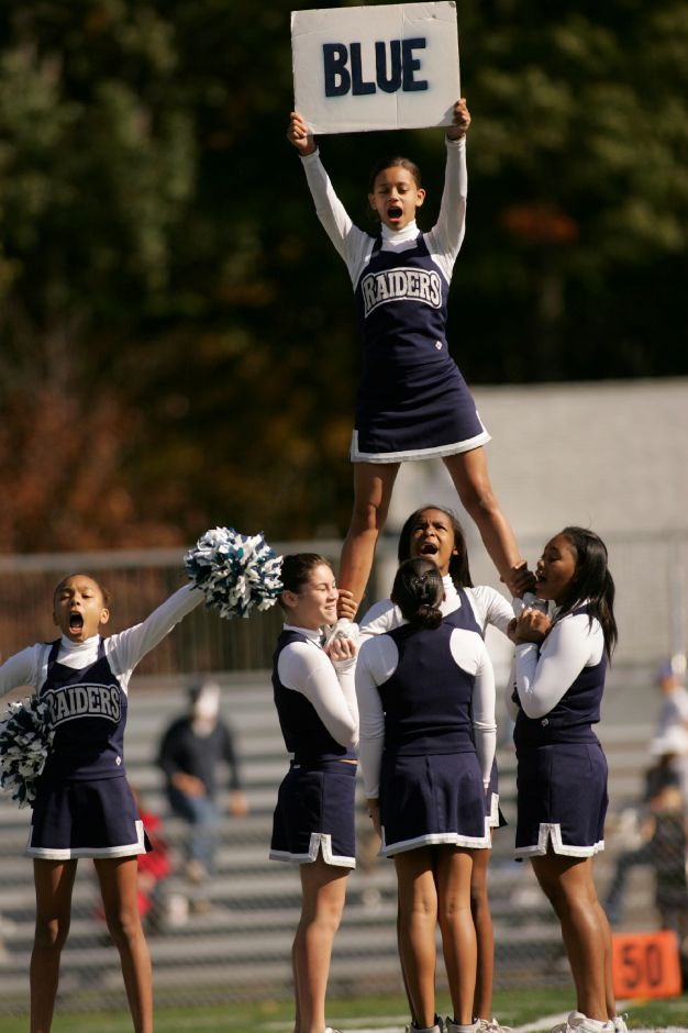 Meriden Raider Cheerleaders perform during halftime of a 6th grade Division Youth Football game at Falcon Field October 11, 2009. Meriden defeated Wallingford Vikings 31-0. (dave zajac photo)