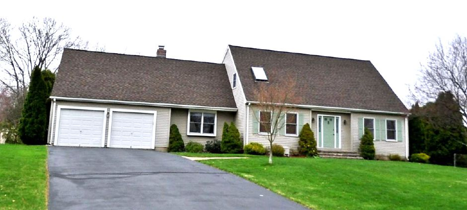 James C. and Janine J. Leffert to David and Lisa Wasylean, 94 Stephen Drive, $300,500.