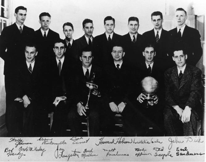 Tthis undated photo, provided by the University of Oregon Archives, shows an autographed photo of Oregon