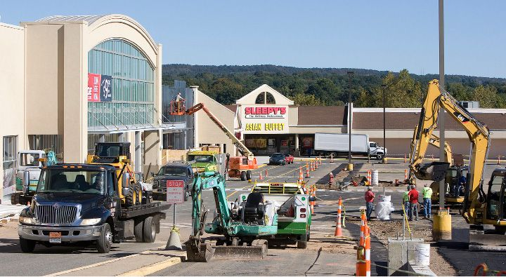 Construction crews continue upgrades to the Townline Plaza in Meriden, Wednesday, September 25, 2013. | (Dave Zajac / Record-Journal)