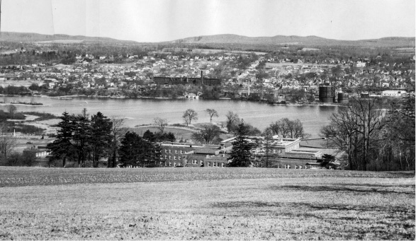 Looking toward Wallingford center from Mount Tom across Community Lake in 1957.| File photo, Record-Journal