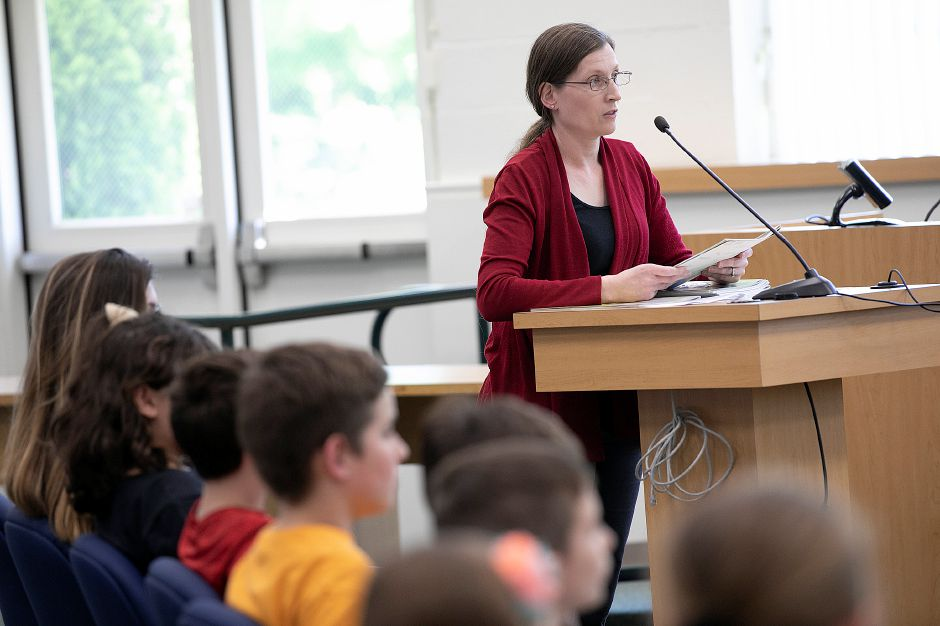 Shari Riedinger, of Southington, speaks in favor of keeping the Plantsville School name during a meeting on renaming Plantsville School and South End School at the John Weichsel Municipal Center in Southington, Tues., May 21, 2019. Dave Zajac, Record-Journal