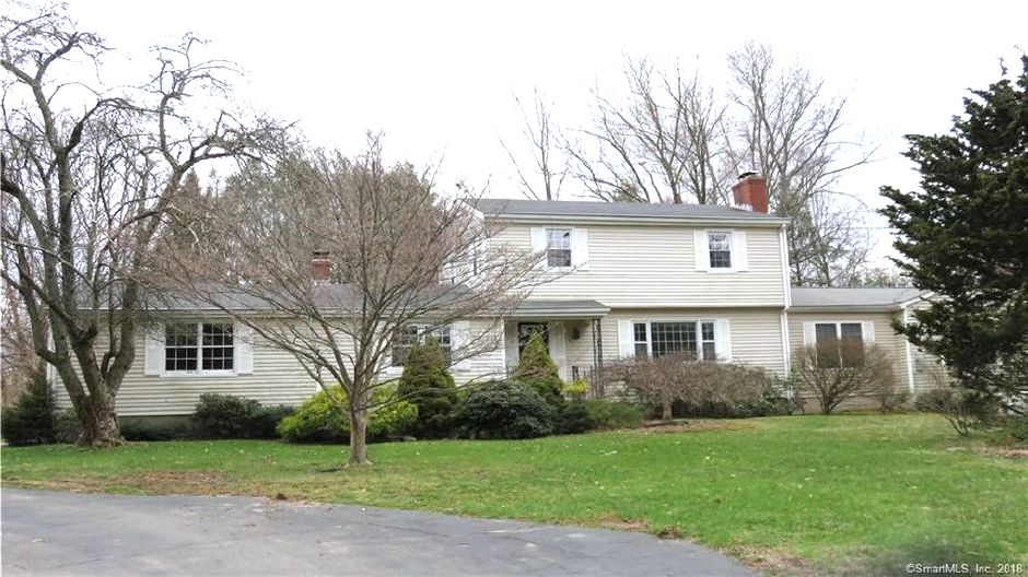 Kenneth H. Hall Est. and K Hall-Gersowitz to Richard M. Orsillo and Charlene E. Kelly, 451 Wallingford Road, $315,000.