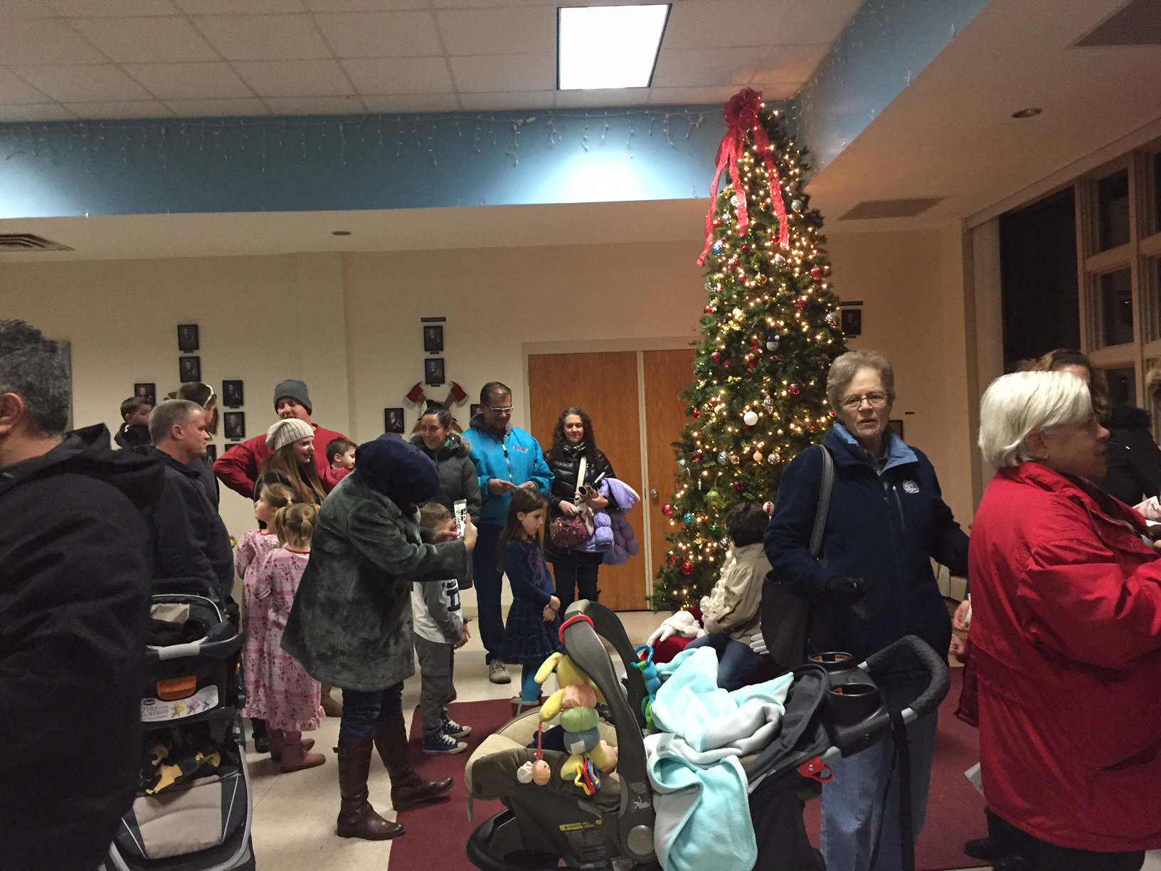 Santa visit at the Plainville tree lighting event, Thursday, Dec. 1, 2016. |Ashley Kus, The Plainville Citizen.