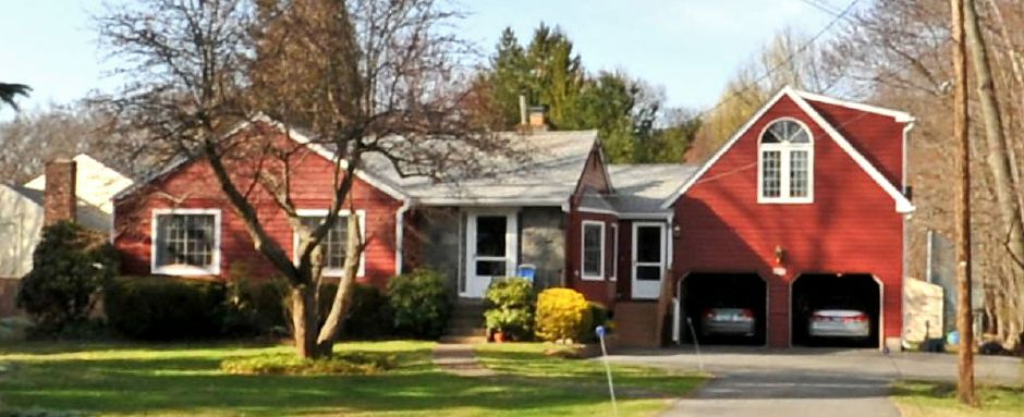 Steven Baldino to Robert Zoldy, 497 Johnson Ave., $130,000.