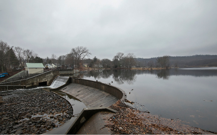 Six months after it was drawn down to allow construction of a hydroelectric generator, Meriden's Hanover Pond has been restored.  | Dave Zajac, Record-Journal