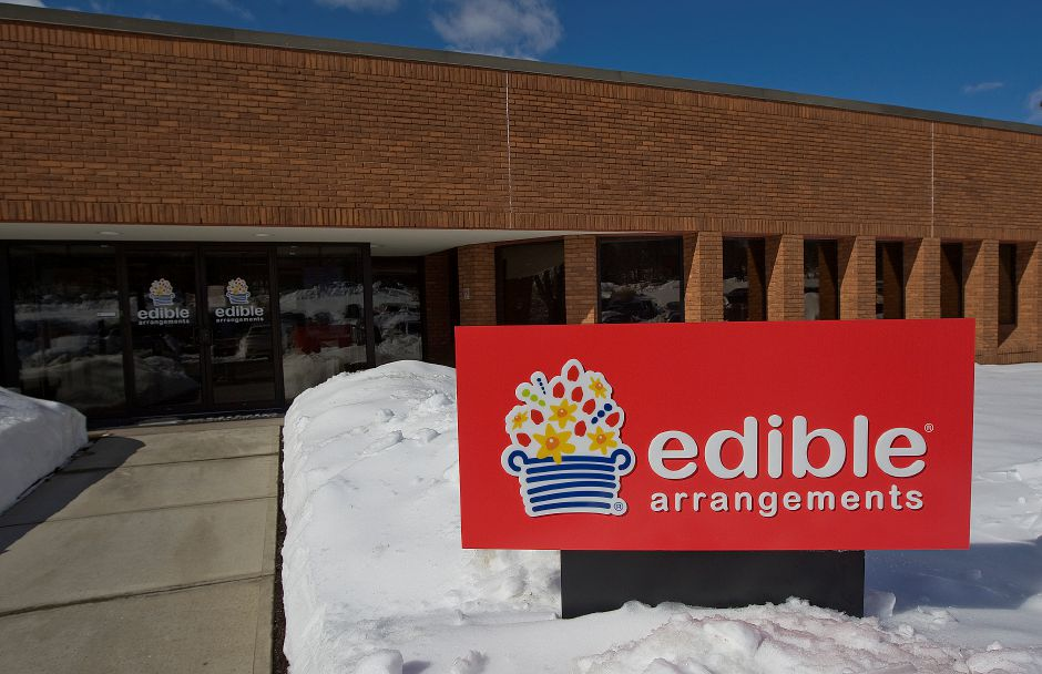 Edible Arrangements in Wallingford, Monday, February 13, 2017. | Dave Zajac, Record-Journal