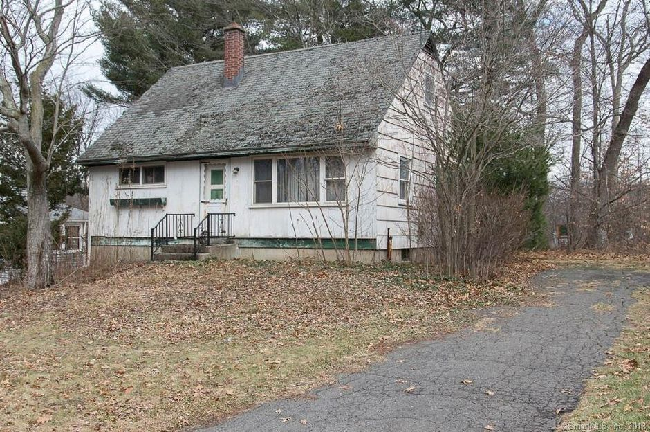 Maureen Debishop to Innovative Tech Emp T. and Michael Scarpa, 129 Lawncrest Drive, $45,875.