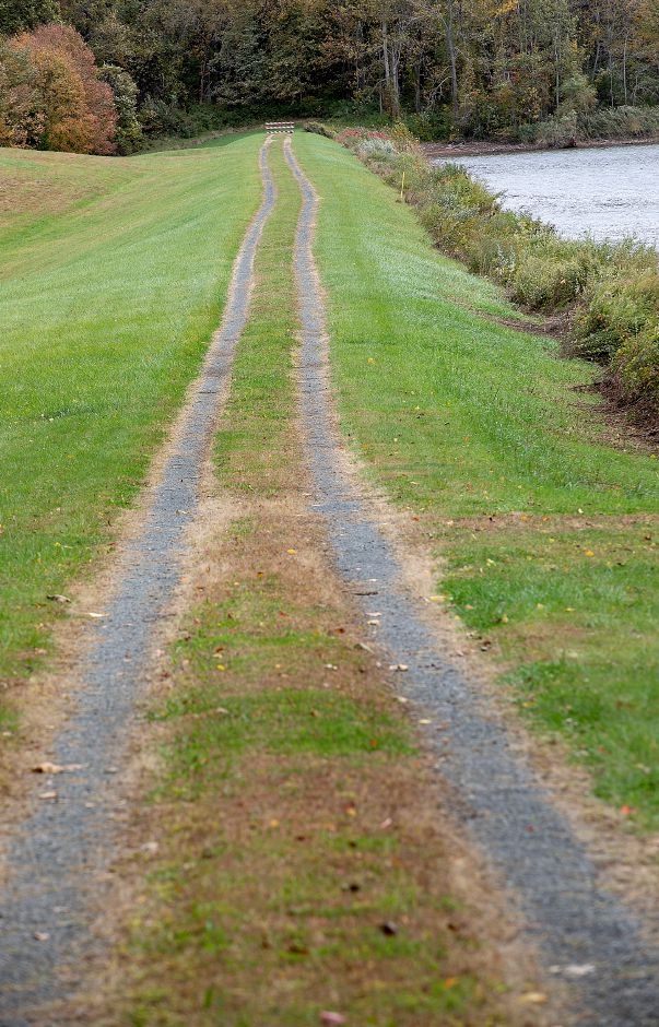 A gravel road to the dam at Ulbrich Reservoir off North Branford Road in Wallingford. Dave Zajac, Record-Journal