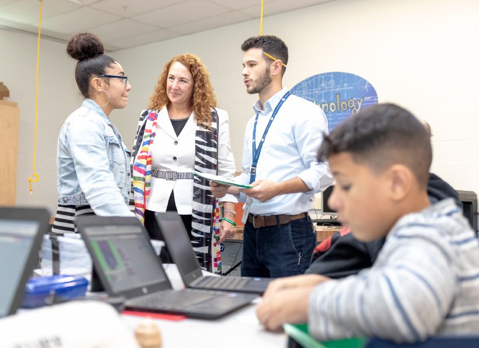 Representative Elizabeth Esty visited the STEM lab at Lincoln Middle School in Meriden on Oct. 22, 2018. | Devin Leith-Yessian/Record-Journal