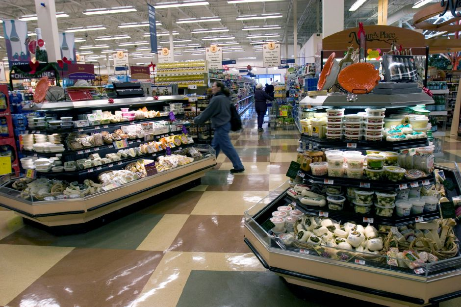 Olives and specialty cheeses are some of the offerings at this Hannaford store in Concord, N.H. on Thursday, December 6, 2007. (AP Photo/Larry Crowe)