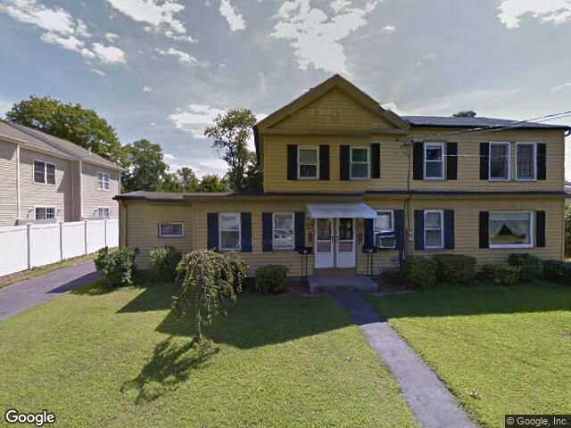 Phyllis M. Guilmette and Celeste G. Martowski to Christopher M. Smock, 24 Cutlery Ave, $125,000.