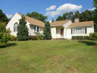 Margaret M. Hall, trustee to Richard T. Yaple and Mary Jane D. Yaple, 824 Moss Farms Road, $300,250.