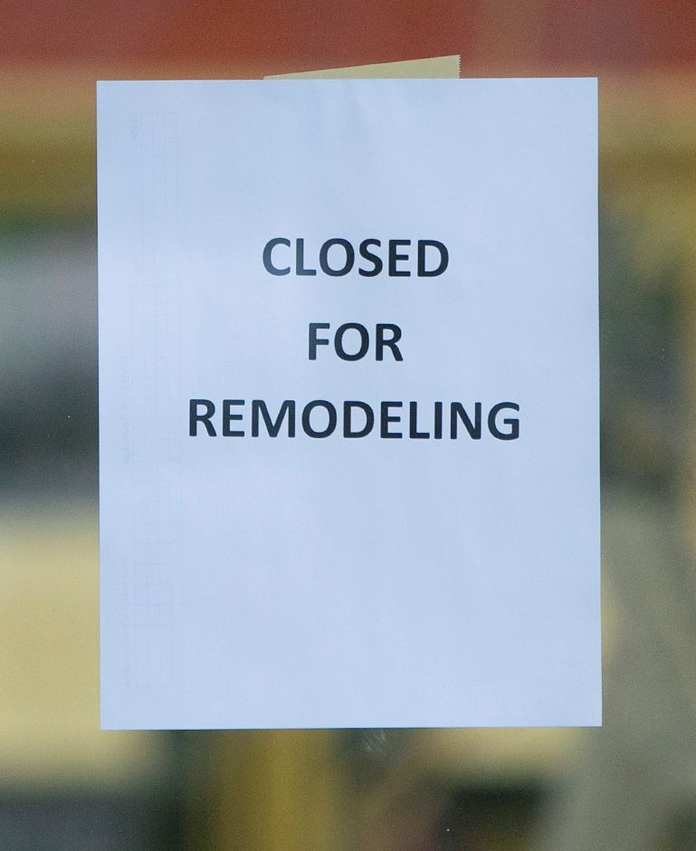 "A ""Closed For Remodeling"" sign posted for customers as remodeling continues at the Citgo station on Quinnipiac Street in Wallingford, Mon., Dec. 17, 2018. Dave Zajac, Record-Journal"