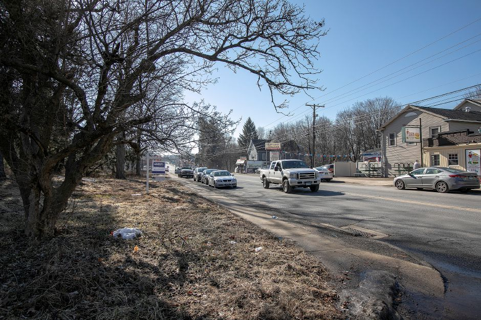 A parcel of land, left, proposed for a car wash at 1043 N. Broad St., across from Ted's Steamed Cheeseburgers in Meriden, Mon. Feb. 4, 2019. Dave Zajac, Record-Journal