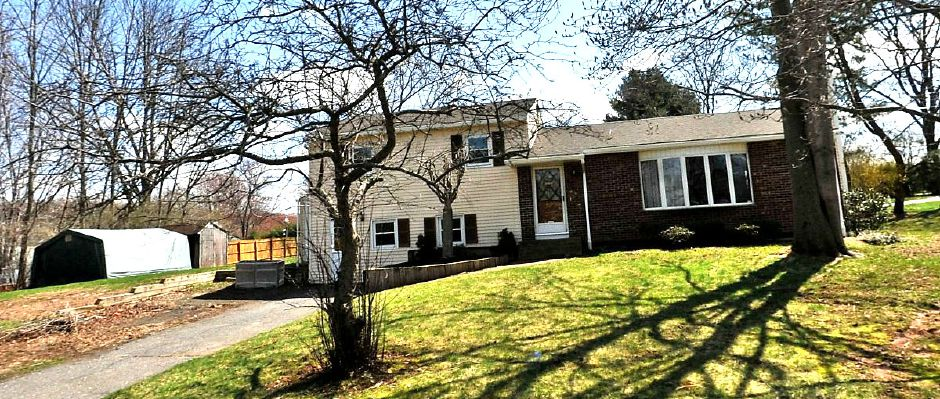 Michael and Natalie Guisto to William D. Watson, 7 Fern Drive, $160,000.