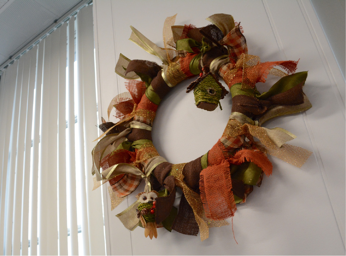 A ribbon wreath. | Bryan Lipiner, Record-Journal