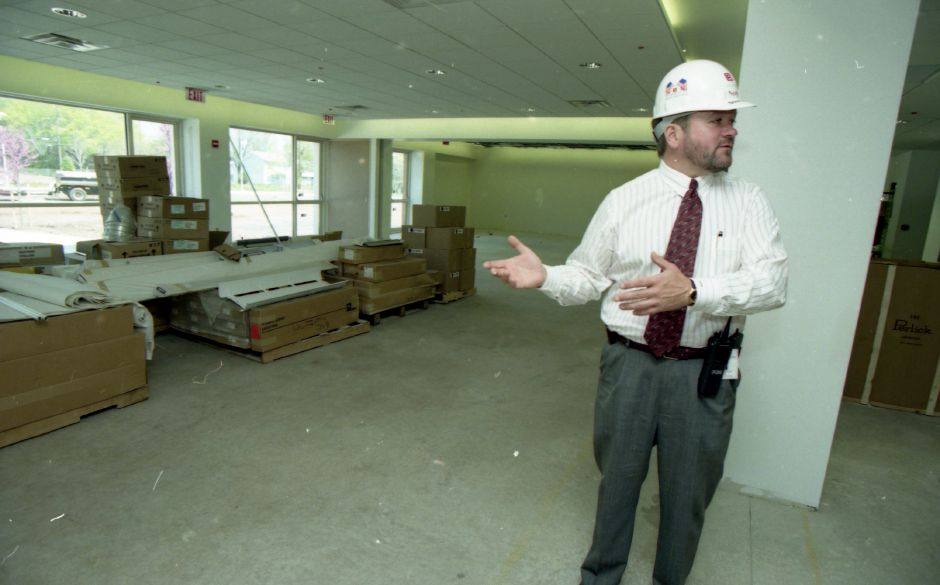 A group takes a tour of Midstate Medical Center in Meriden April 24, 1998.