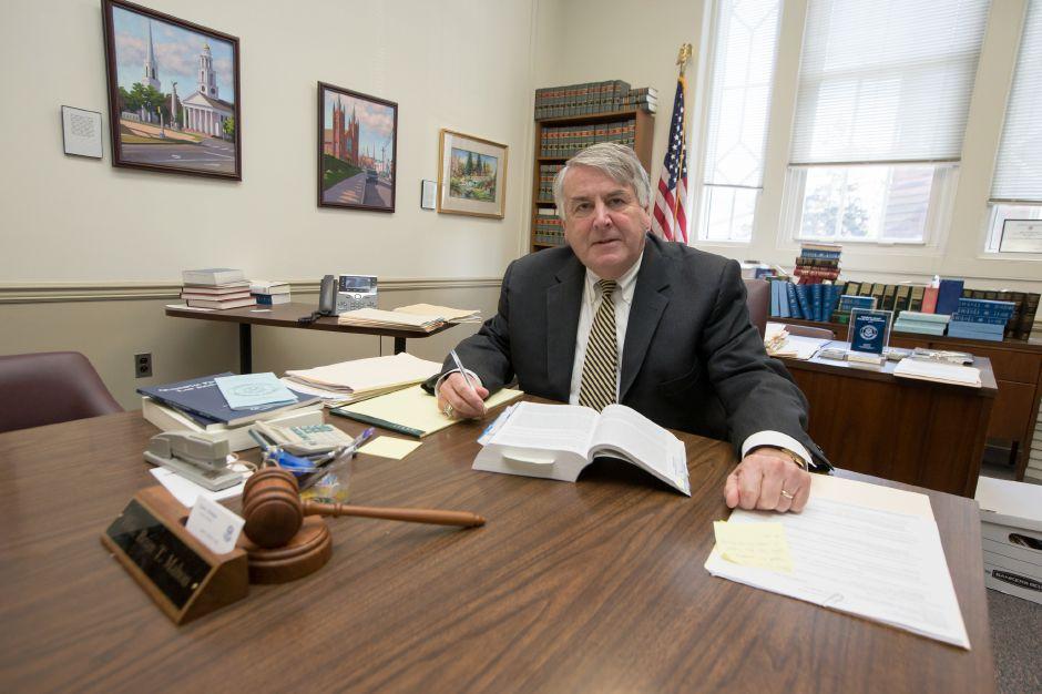 Brian Mahon, longtime Meriden probate judge, to retire