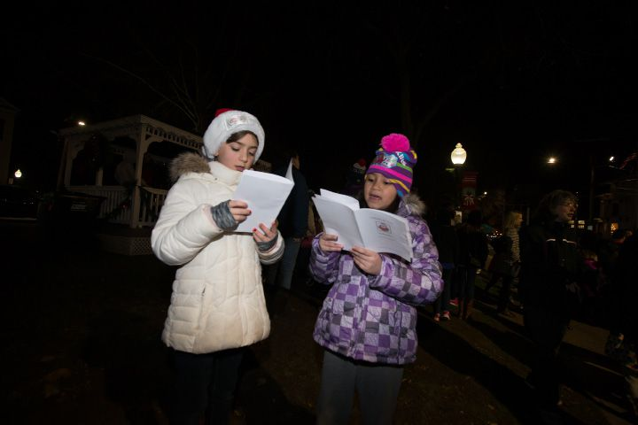 White Christmas in the Community in Southington. Dec. 2, 2016 | Justin Weekes / For the Record-Journal
