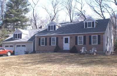 Sergio C. Bauco and Deidre A. McVety-Bauco to Michael Papale, Jr., 1290 Lilac Court, $379,900.