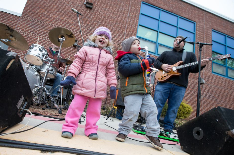 Saturday during the Hot Coco 5K to benefit Abilities Without Boundaries at the Norton Elementary School in Cheshire November 18, 2017 | Justin Weekes / For the Record-Journal