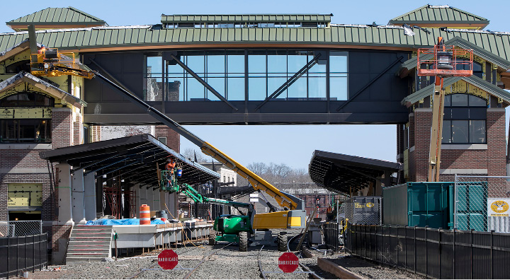 Crews continue work on the new train station in downtown Meriden on Thursday.| Dave Zajac, Record-Journal