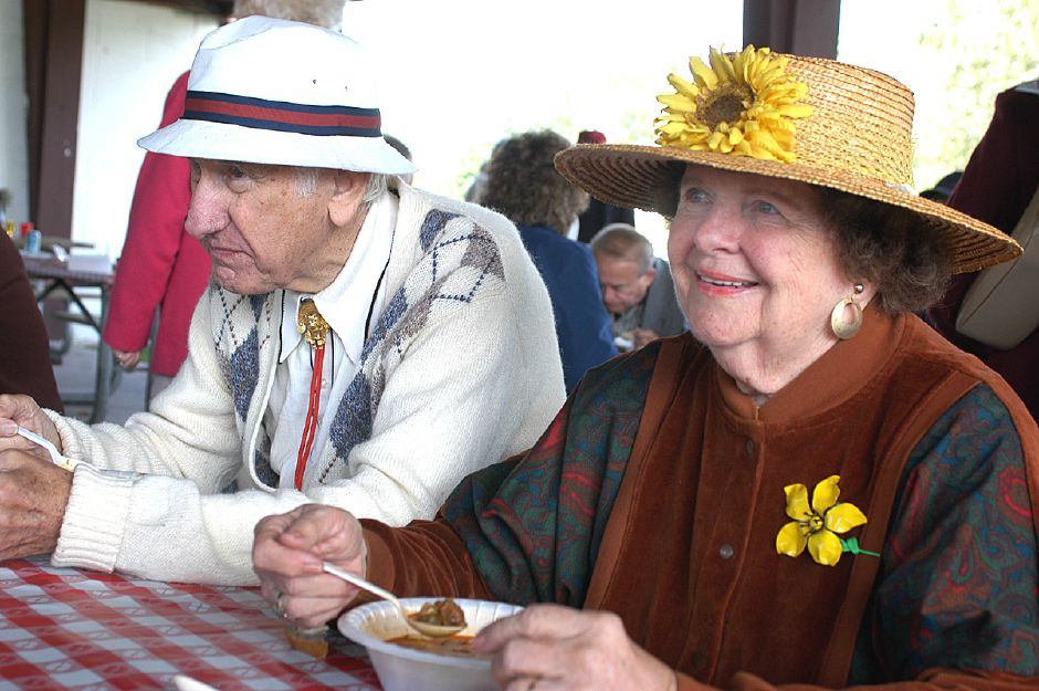Albert and Betty Redway enjoy some traditional Hungarian cooking during the Hungarian Community Club