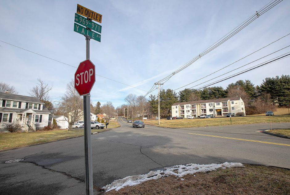 The intersection of Old Yale Avenue and Yale Avenue in Wallingford, Thurs., Jan. 30, 2020. A Meriden man struck and killed on Yale Avenue Wednesday was crossing the road after picking up an item off the ground, police said. Dave Zajac, Record-Journal