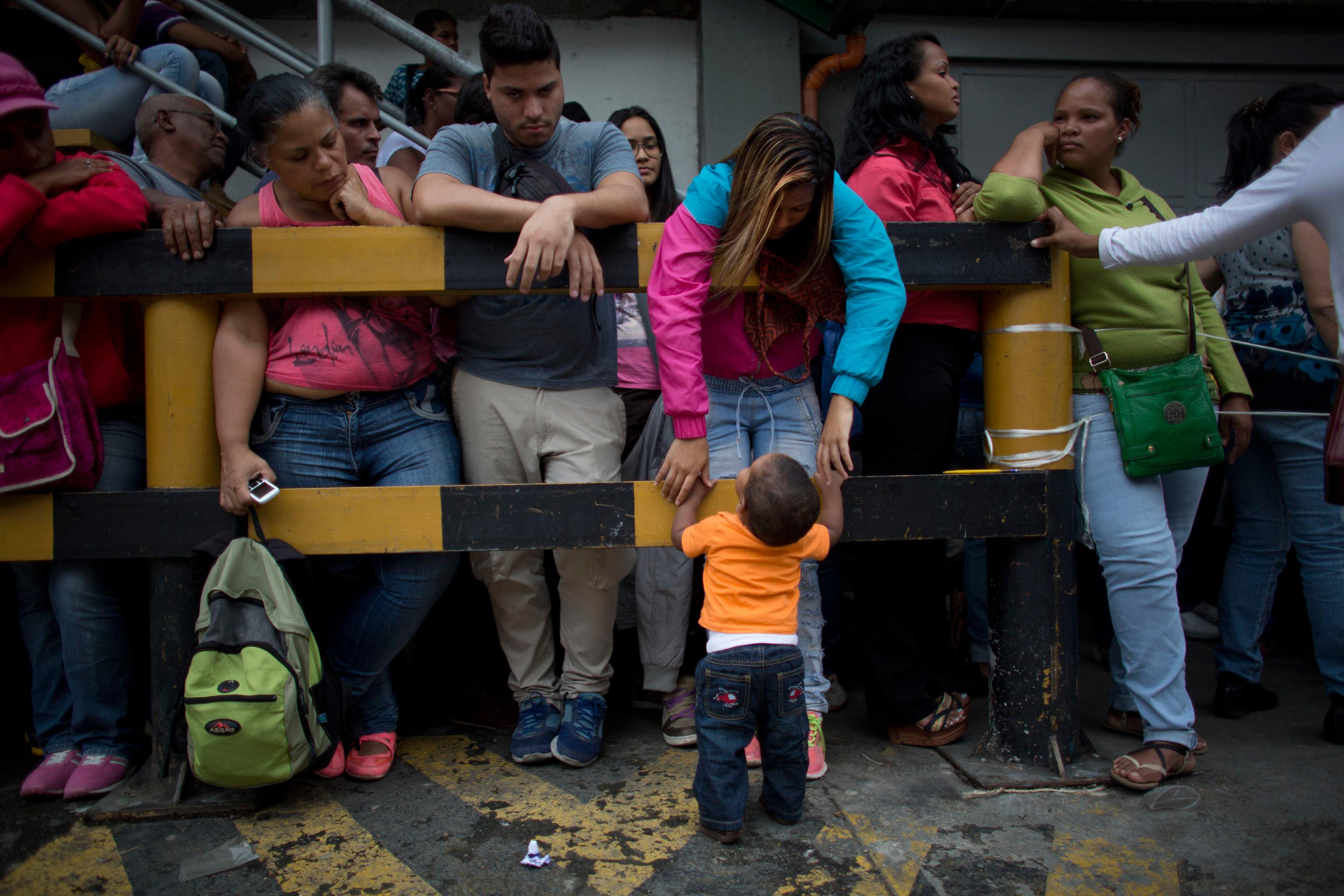 venezuelan people starving - HD3240×2160