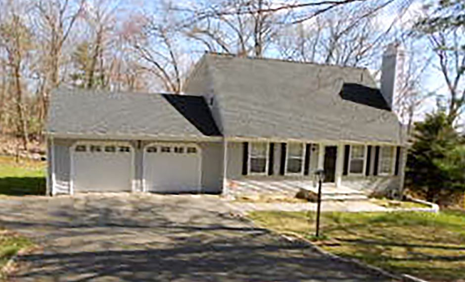 Bethany Bandola-Brunnock to Trinh Nguyen, 558 Huckins Road, $287,500.