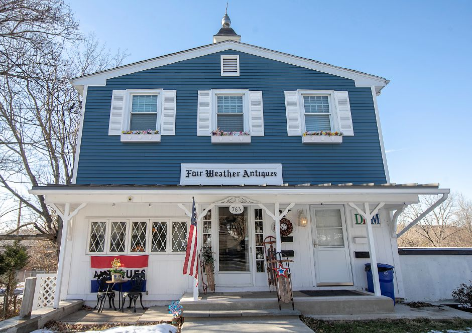 Fair Weather Antiques, 763 Hanover Rd., Meriden, Fri., Jan. 24, 2020. Local, state and federal agencies are investigating after a man was found dead in an apartment containing hazardous chemicals above the shop. Dave Zajac, Record-Journal