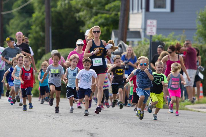 FILE PHOTO: The kids fun run start Sunday during the GE 5 K Petit Road Race to benefit the Petit Family Foundation in Plainville Jul. 17, 2016 | Justin Weekes / For the Record-Journal