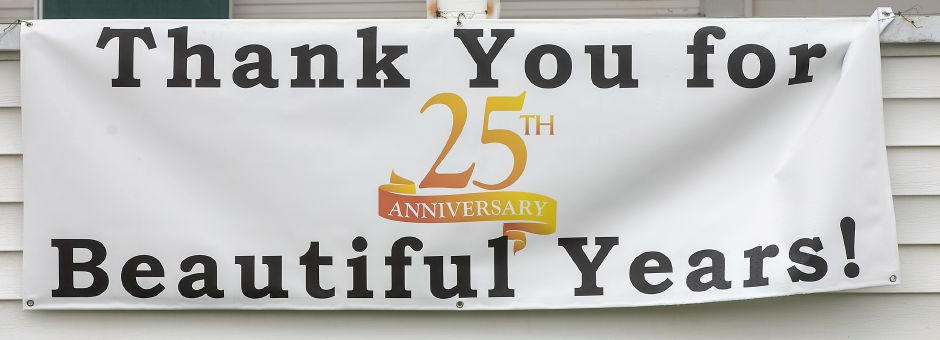 A Thank You sign hangs on the front porch of Catherine & Company Salon & Day Spa, 710 E. Main St., Meriden, Fri., Nov. 13, 2020. The business is celebrating 25 years. Dave Zajac, Record-Journal