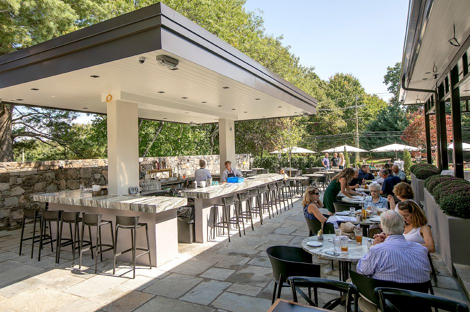 Customers enjoy lunch on the new veranda at Viron Rondo Osteria at 1721 Highland Ave. in Cheshire, Mon., Sept. 23, 2019. Dave Zajac, Record-Journal