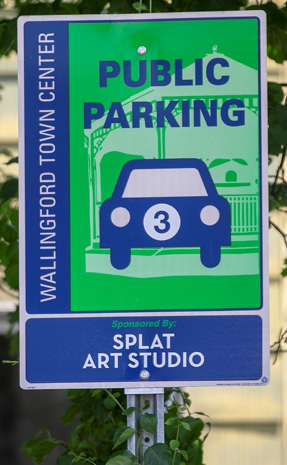 A public parking sign for Public Lot 3 located between William Street and Meadow Street in Wallingford, Thurs., Jul. 9, 2020. Several town officials are considering new parking rules aimed at discouraging long-term parking. Dave Zajac, Record-Journal