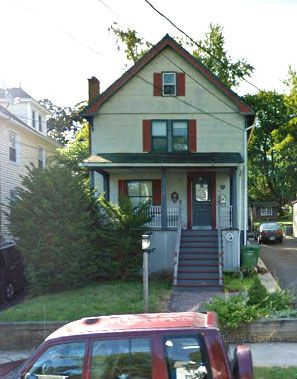Cheryl Chiari EST and John Ciari to James Solnik and Immacolata Solnik 68 S. Whittlesey Ave., $125,000.
