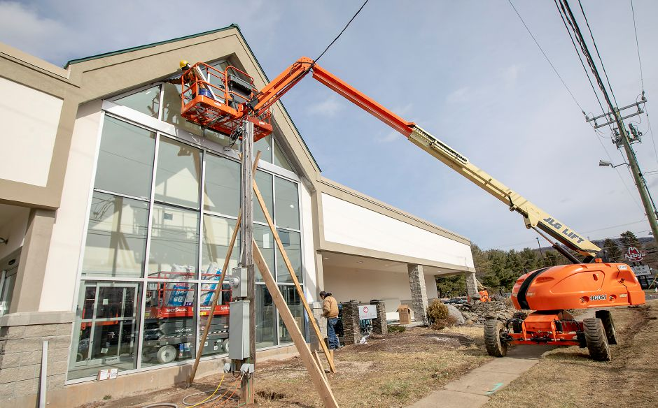 Work continues on the new Tops Market nearing completion in Southington, Thurs., Feb. 20, 2020. Dave Zajac, Record-Journal