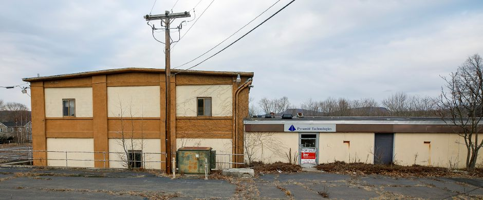 A vacant building at 48 Elm St. in Meriden, Tues., Jan. 19, 2021. Dave Zajac, Record-Journal