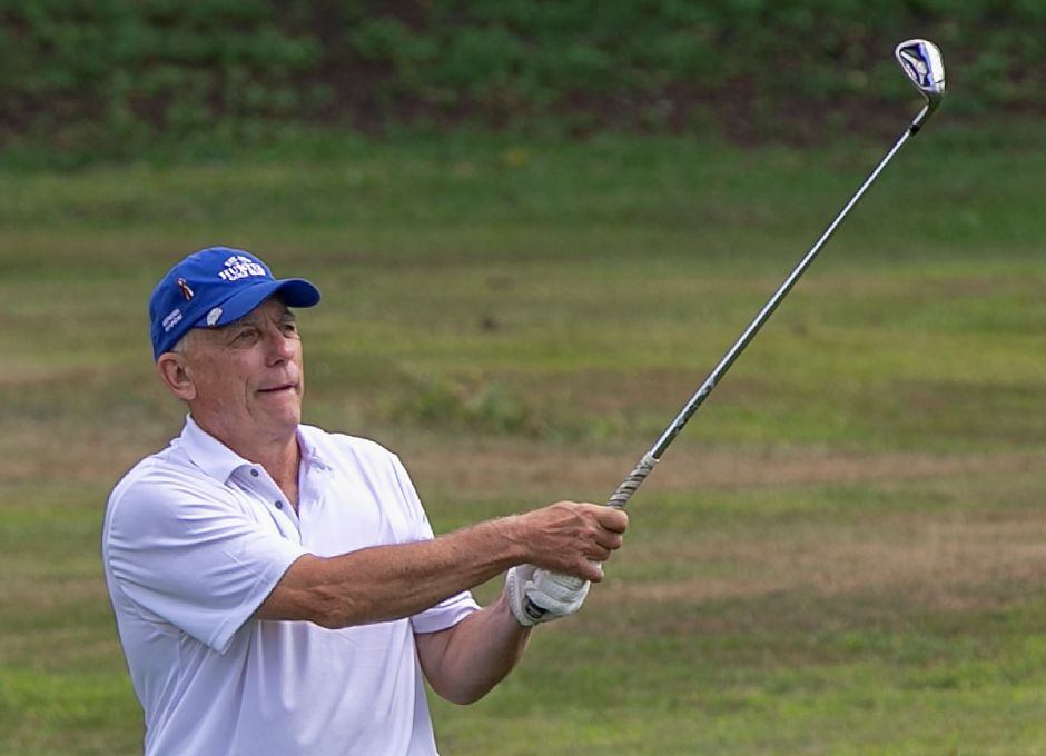 Les Zimmerman, of Meriden, watches his approach shot from the fairway on Hole 18 during the first round of the Meriden Golf Senior Championship at Hunter Golf Club in Meriden, Wed., Aug. 7, 2019. Zimmerman, a six-time Meriden Senior champion and 12-time Meriden Open champ, shot a career-low 67. Dave Zajac, Record-Journal