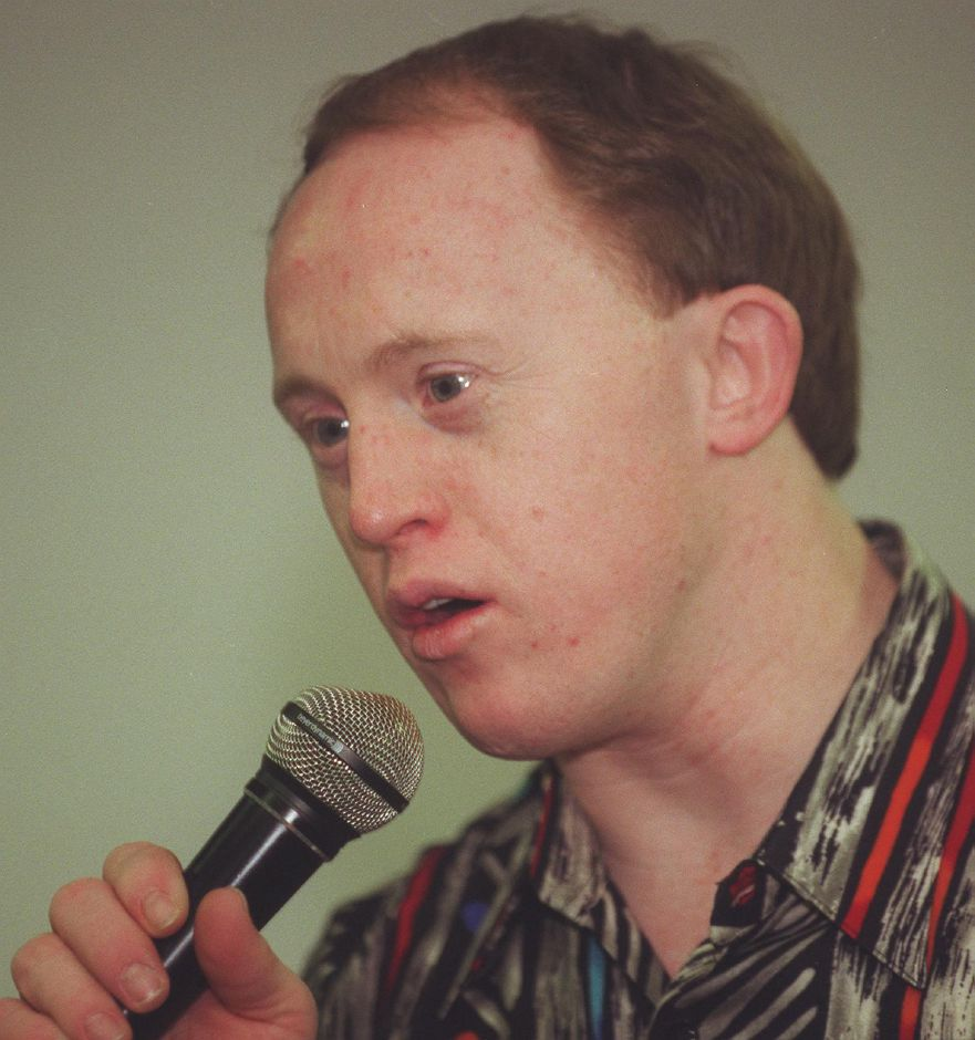 "Chris Burke, the young actor with Down Syndrome who starred as ""Corky"" on the ABC TV television series ""Life Goes On"" speaks to students at High Road Student Learning Center in Wallingford April 4, 2000."