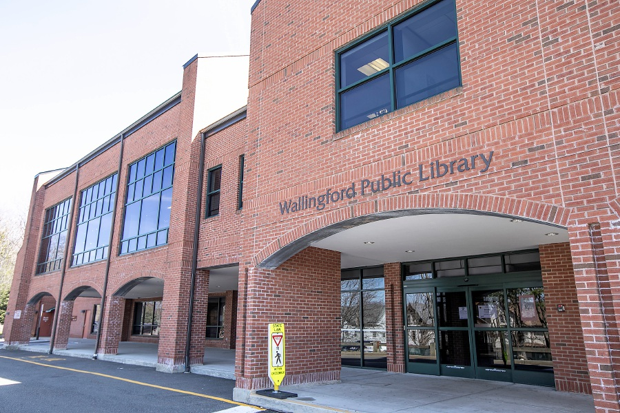The Wallingford Public Library, Mon., Mar. 16, 2020. The library closed on Friday, March 13. Dave Zajac, Record-Journal