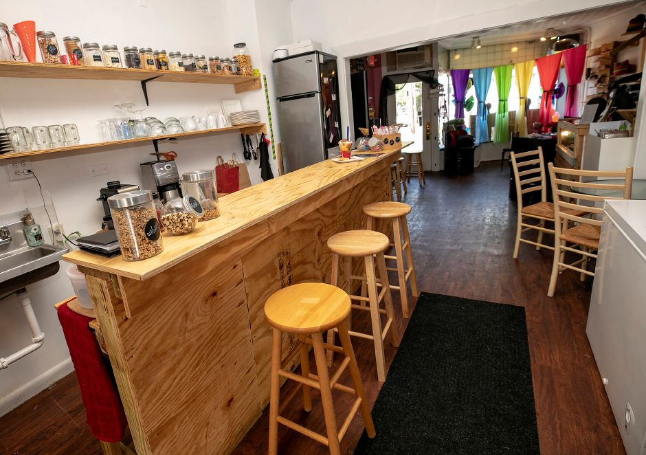 Cafe seating at Stravaganxxa, 182 Quinnipiac St., Wallingford, Tues., Aug. 25, 2020. Dave Zajac, Record-Journal