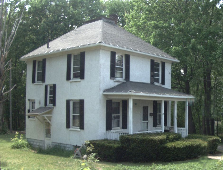Salvatore F. Fusco and Annelise M. Fusco to Landmark Realty Group LLC, 124 Carter Lane, $74,612.